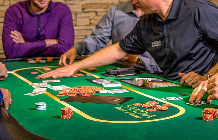 Moving from Land Casinos to Online Casinos