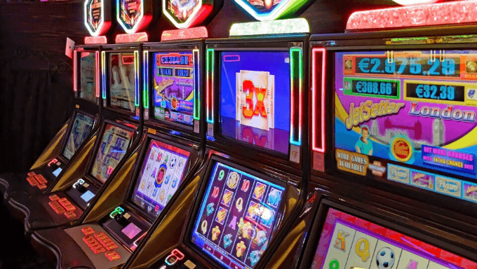 Making money with online slot games